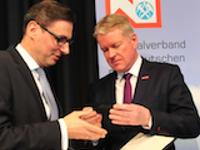 Hohe Auszeichnung für ZVDH-Hauptgeschäftsführer Ulrich Marx