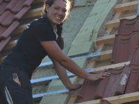Jugendbotschafterin Nadja auf dem Dach